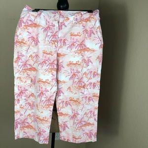 L.L. Bean Cotton Capris Palm Print Pants 10